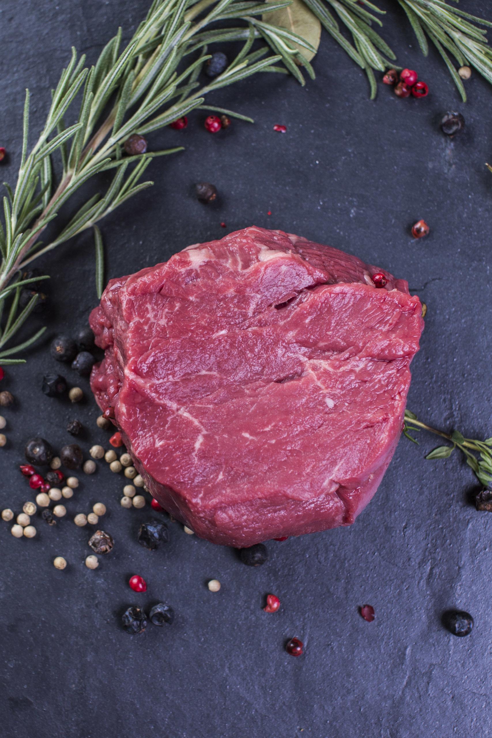 Steak roh Deko
